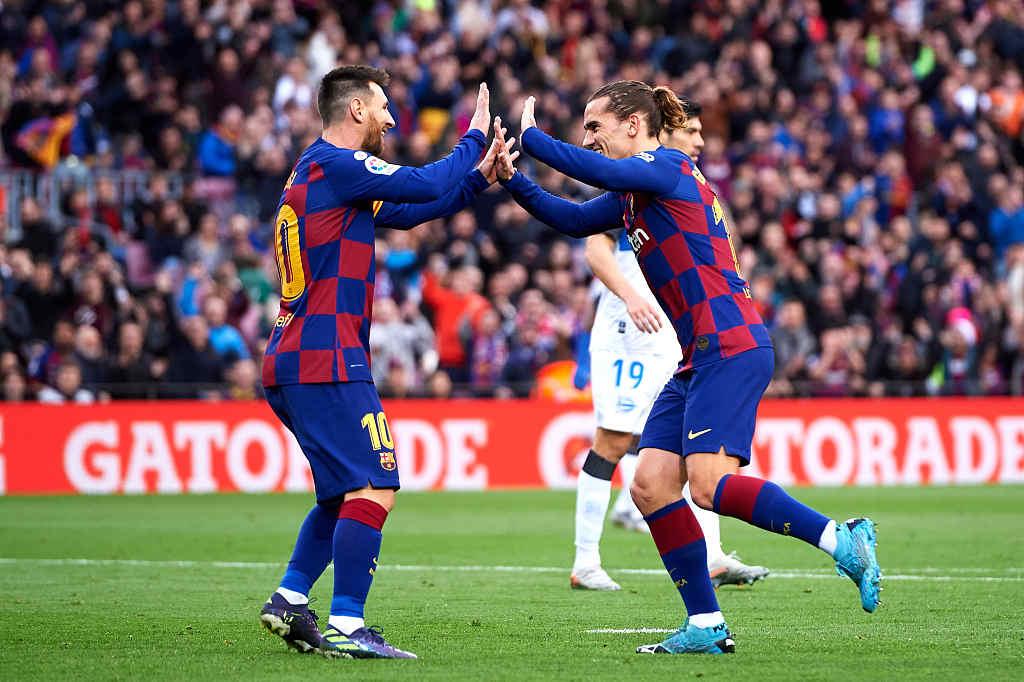 西甲巴塞罗那4-1阿拉维斯 苏亚雷斯独造4球梅西世界波